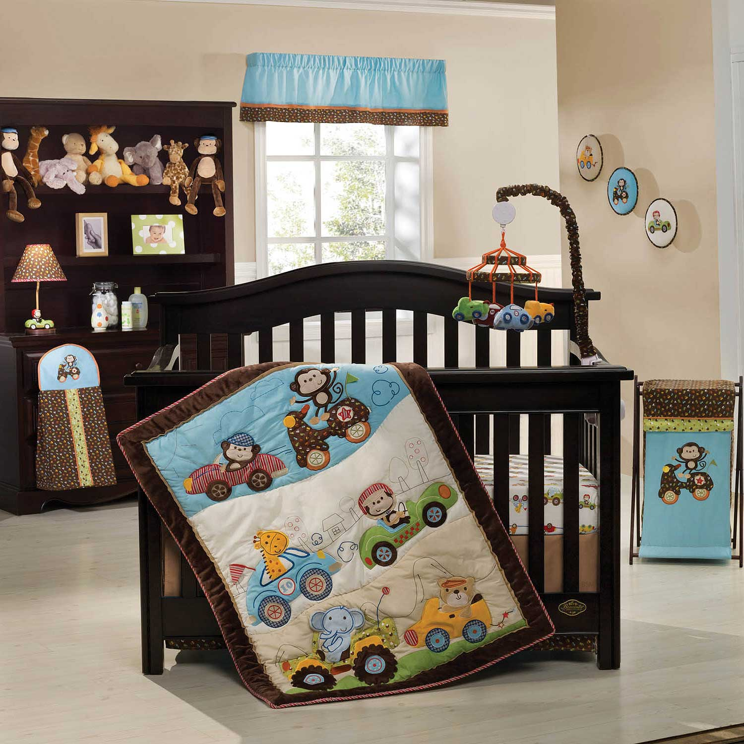 Sweet Nursery Bedding Ideas (Image 10 of 10)