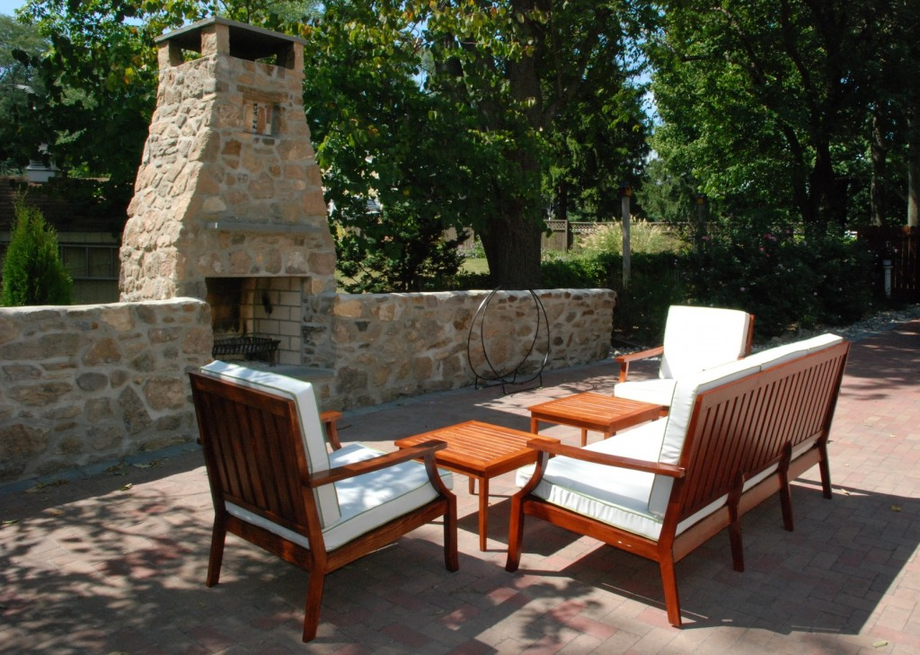 Teak Wood To Make Outdoor Furniture With Old And Classic Design Inspiration (Image 9 of 9)