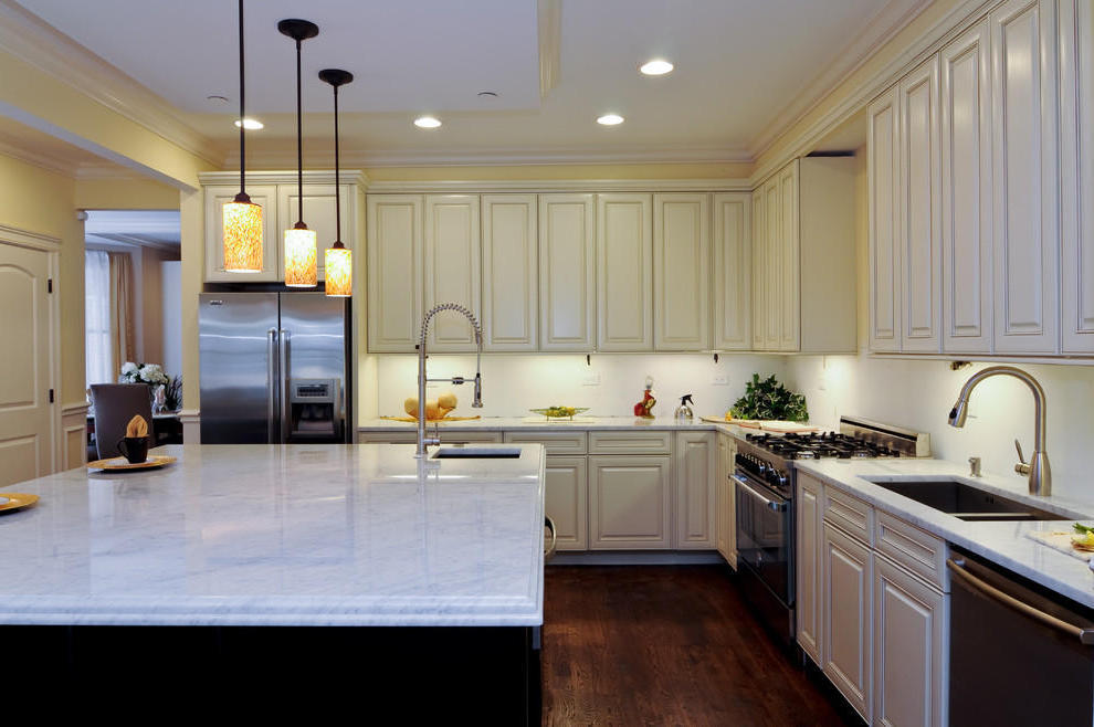 Trendy Kitchen Cabinet And Table Lighting (Image 10 of 10)