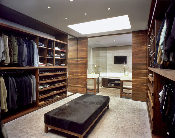 Closets Are Usually Small In Size So That Maximizing The Available Space To  Create A Well Organized State Is Essential.