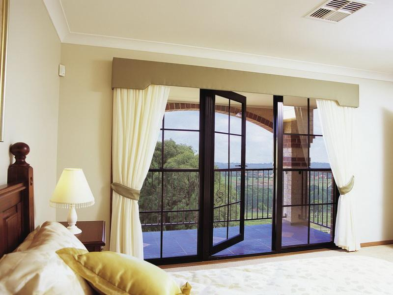 Window Curtains Ideas For Luxury Bedroom (Image 10 of 10)