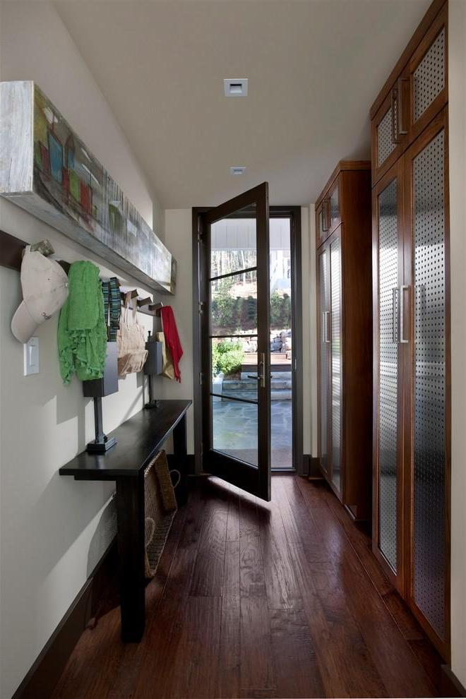 Featured Image of Excellent Small Entryway Ideas As Your Warm Welcoming