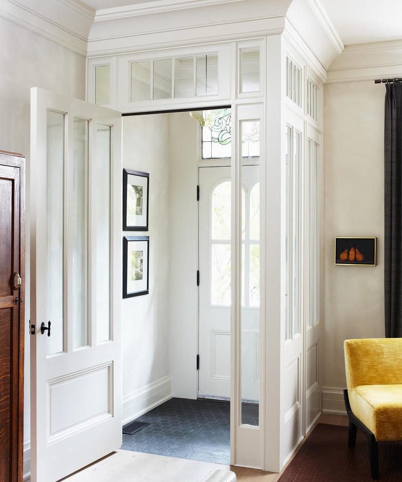 Popular Traditional Small Entryway (View 5 of 13)