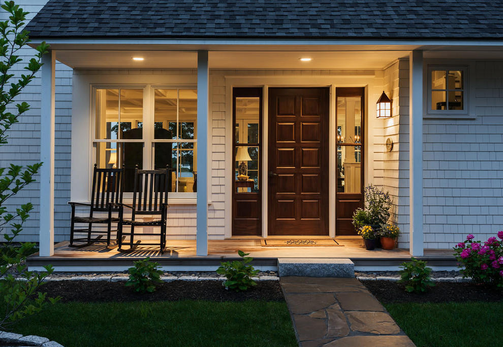 Simply American Small Entryway House Exterior (View 6 of 13)