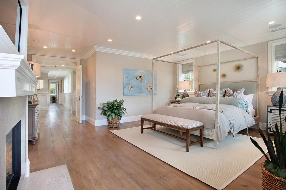 Traditional Bedroom Interior For Large Space (Image 5 of 9)