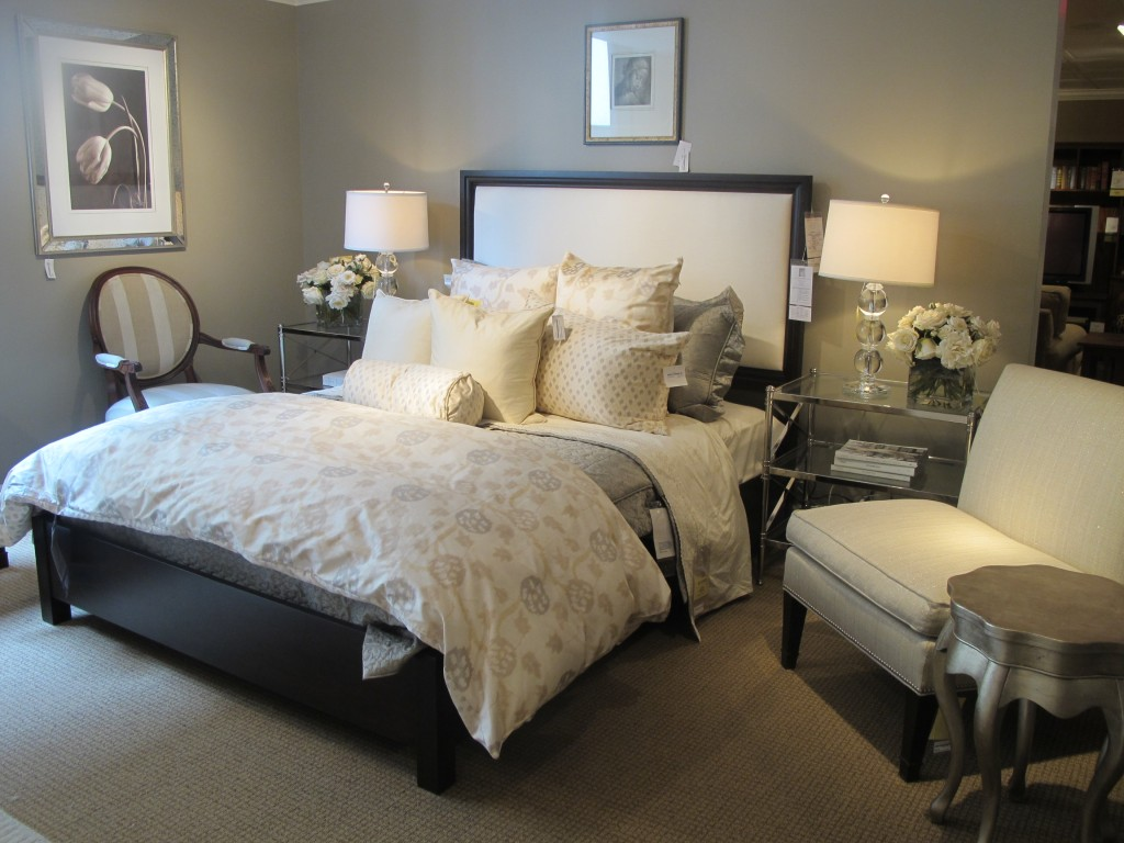 Featured Image of Classic Fabric Bedroom Furniture And Lighting