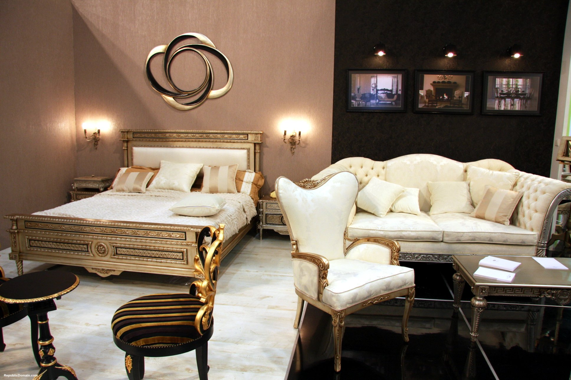 Featured Image of Classic Fabric Bedroom Luxury Decoration