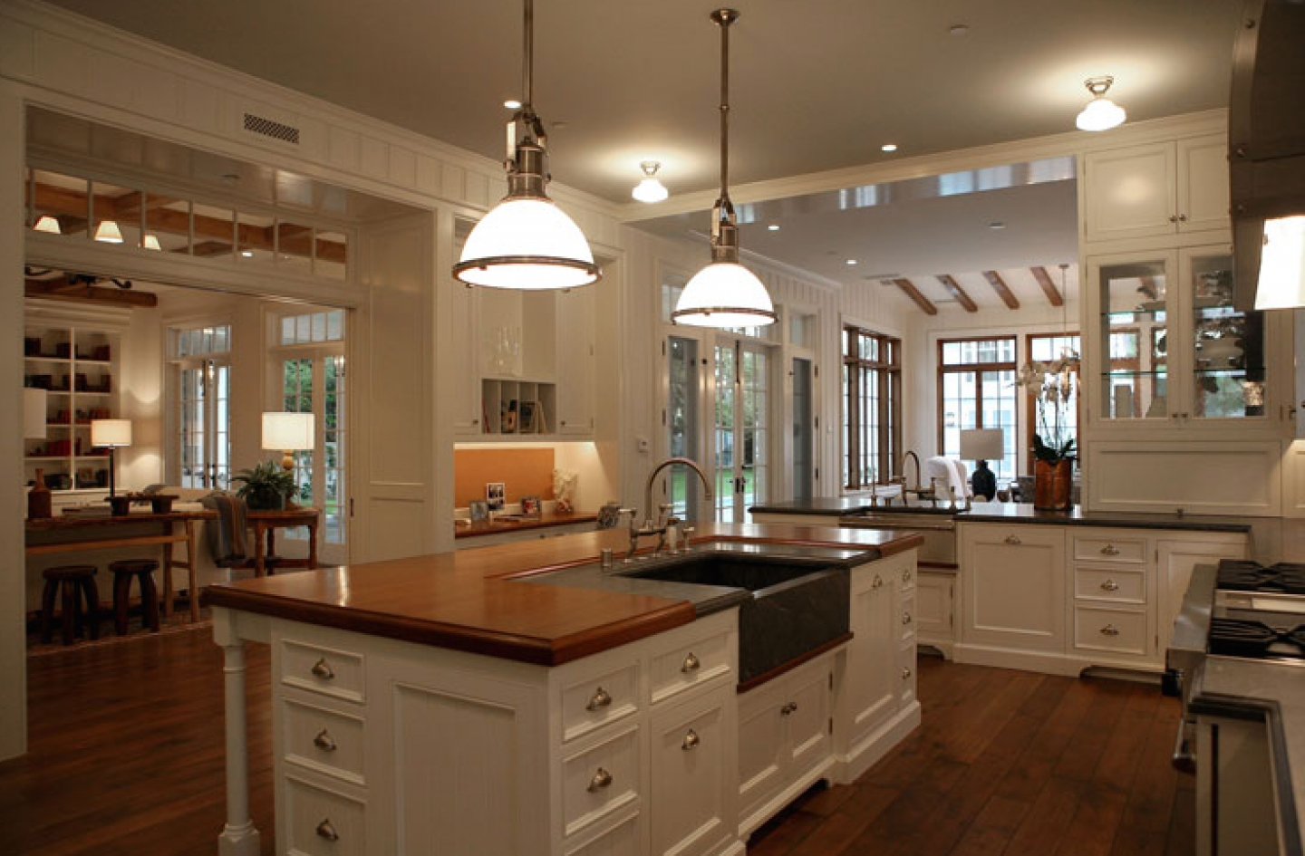 Featured Image of Classic French Kitchen With Modern Nuance