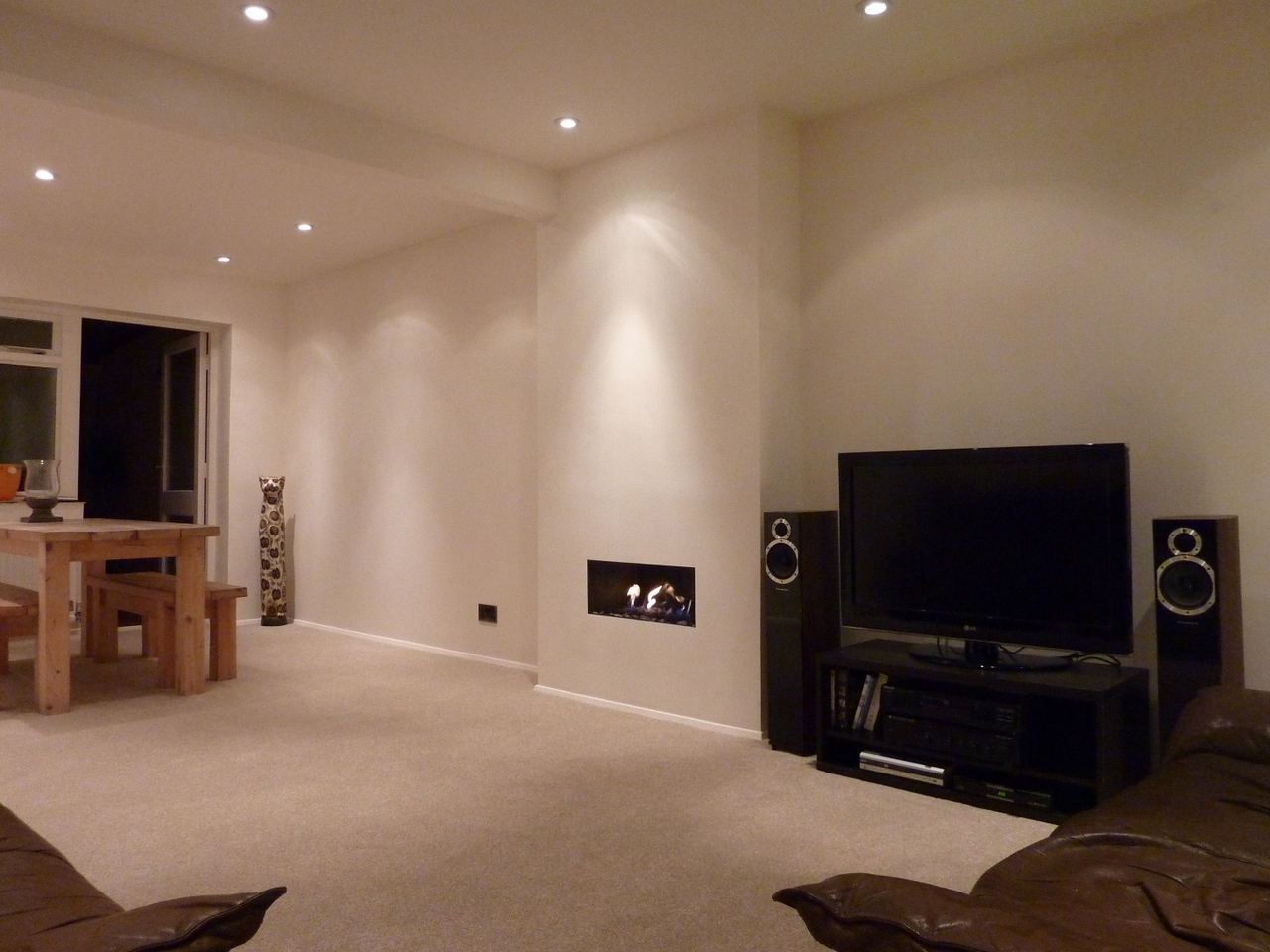 Featured Image of Contemporary Basement Ceiling And Wall Lighting