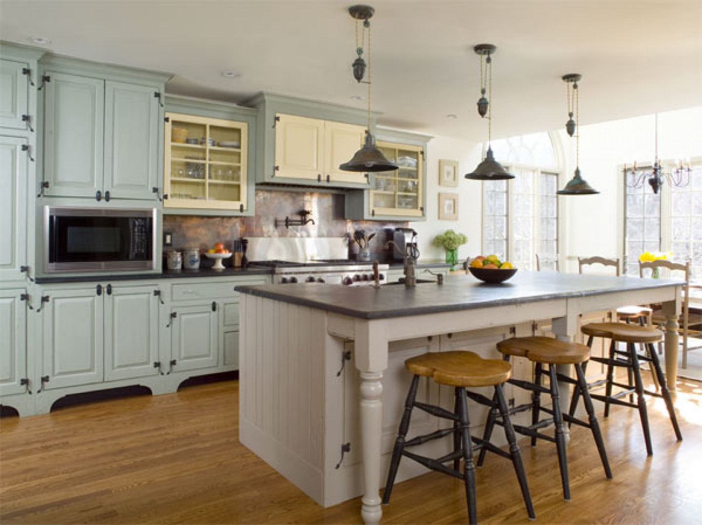 Featured Image of Country Kitchen With Classic Breakfast Bar Style