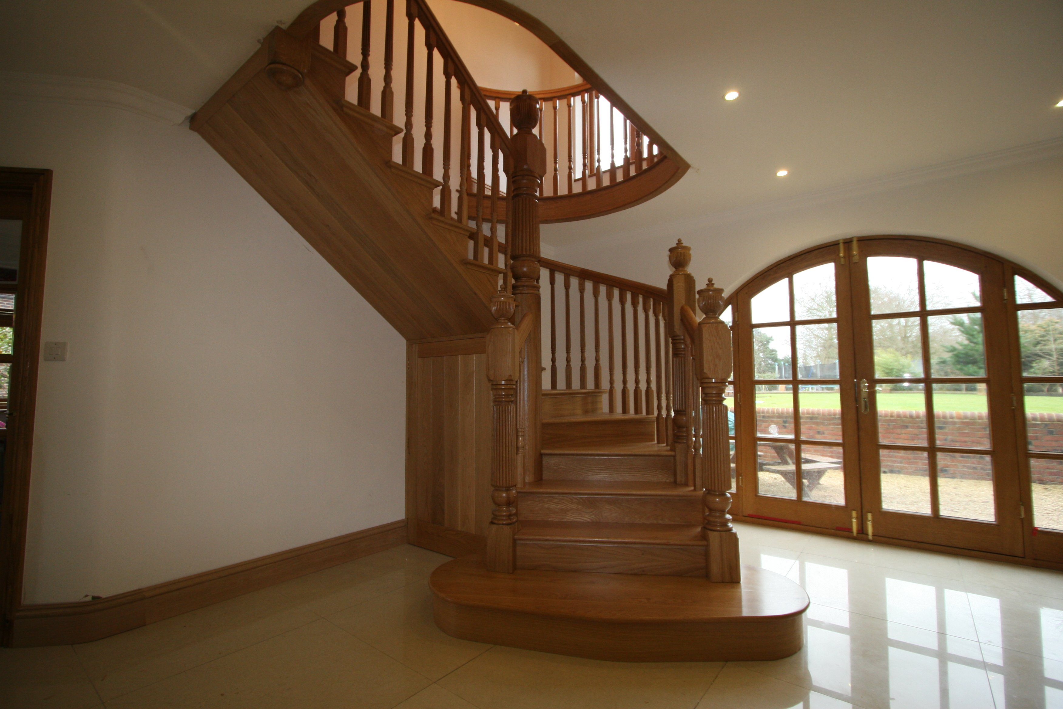 Curved wooden staircase for modern house 2834 house for Arched staircase