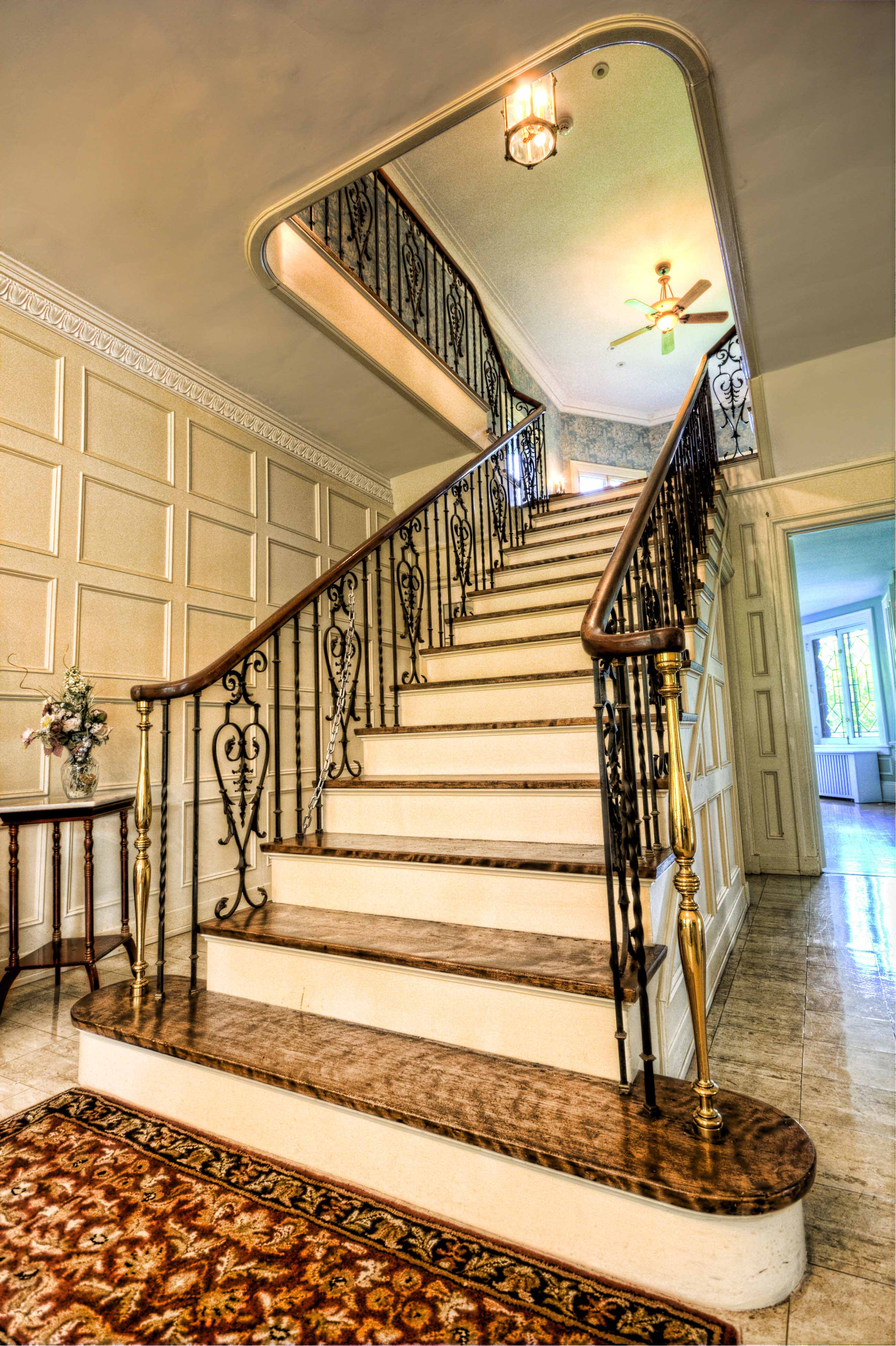 Featured Image of Luxury Staircase Architecture