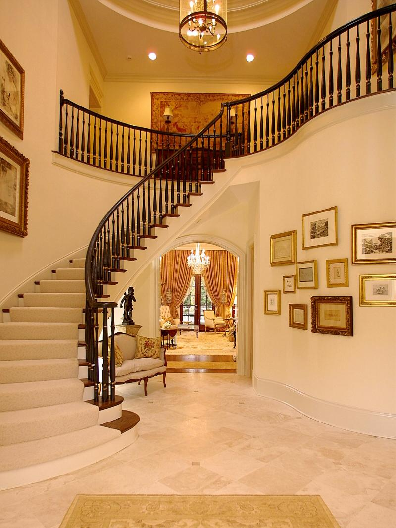 Featured Image of Luxury Staircase For Classic Interior