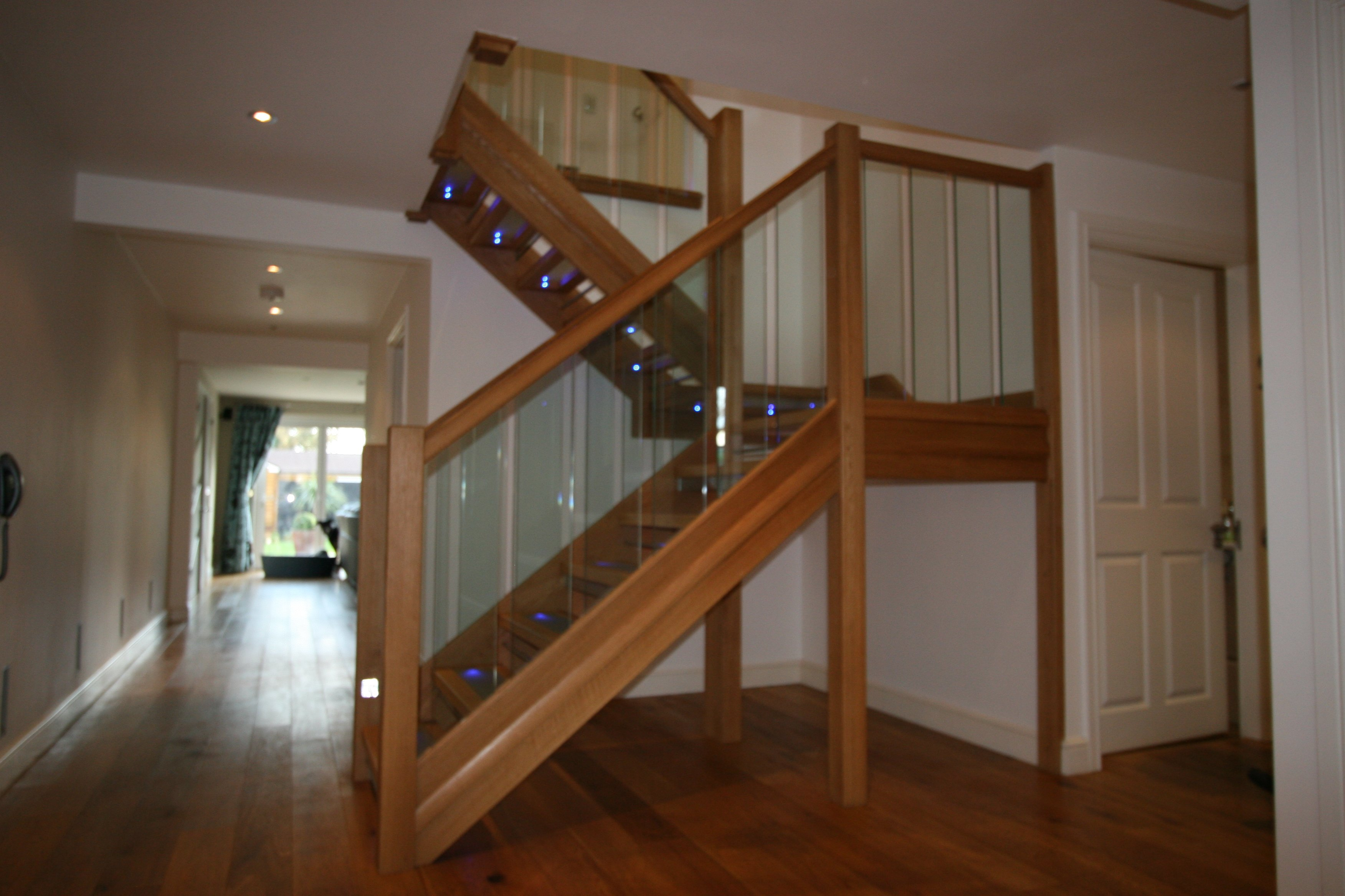 Featured Image of Oak Staircase With Modern Design