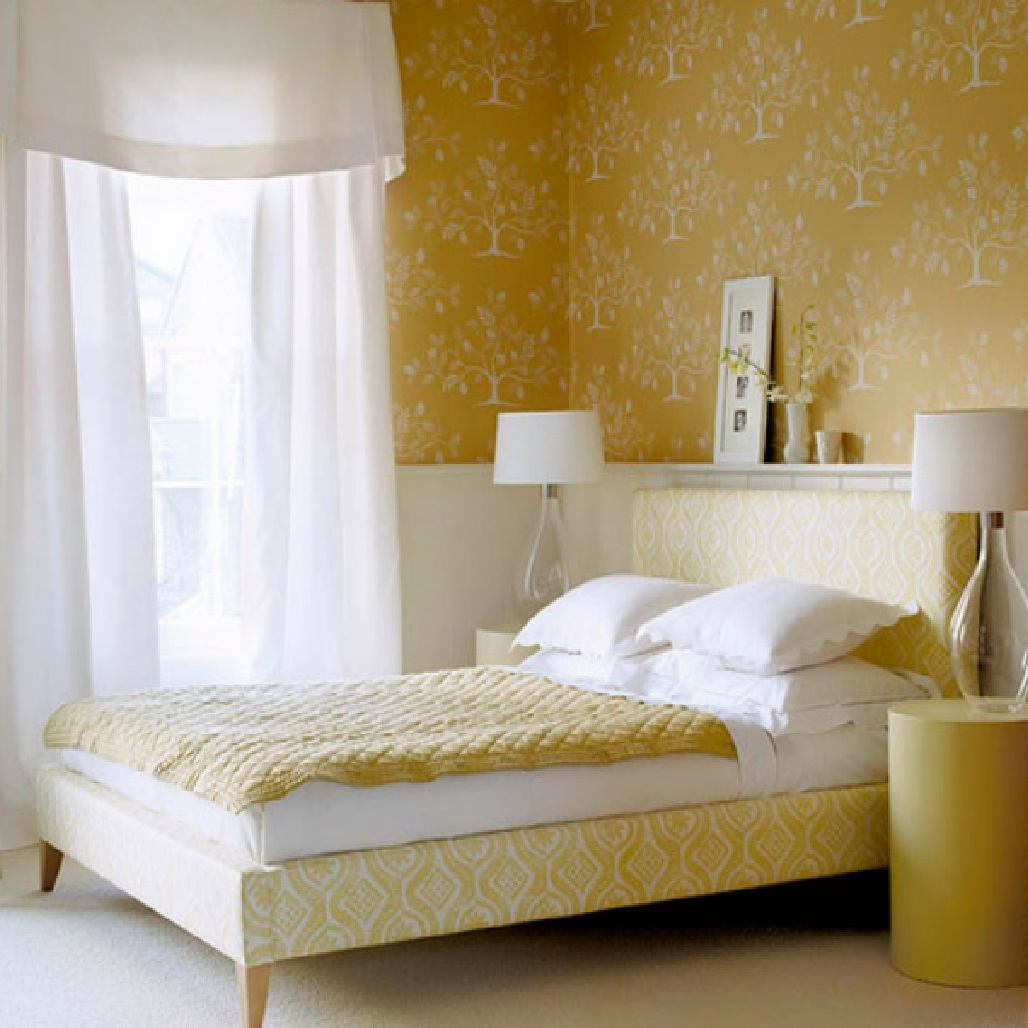 Featured Image of Simply Fabric Bedroom With Decorative Floral Wall