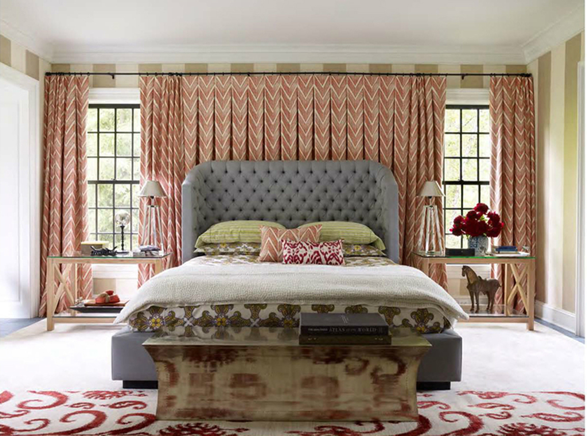 Featured Image of Traditional Fabric Bedroom With Large Fabric Curtain