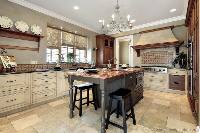 Featured Image of Traditional Rustic Kitchen Interior Decoration