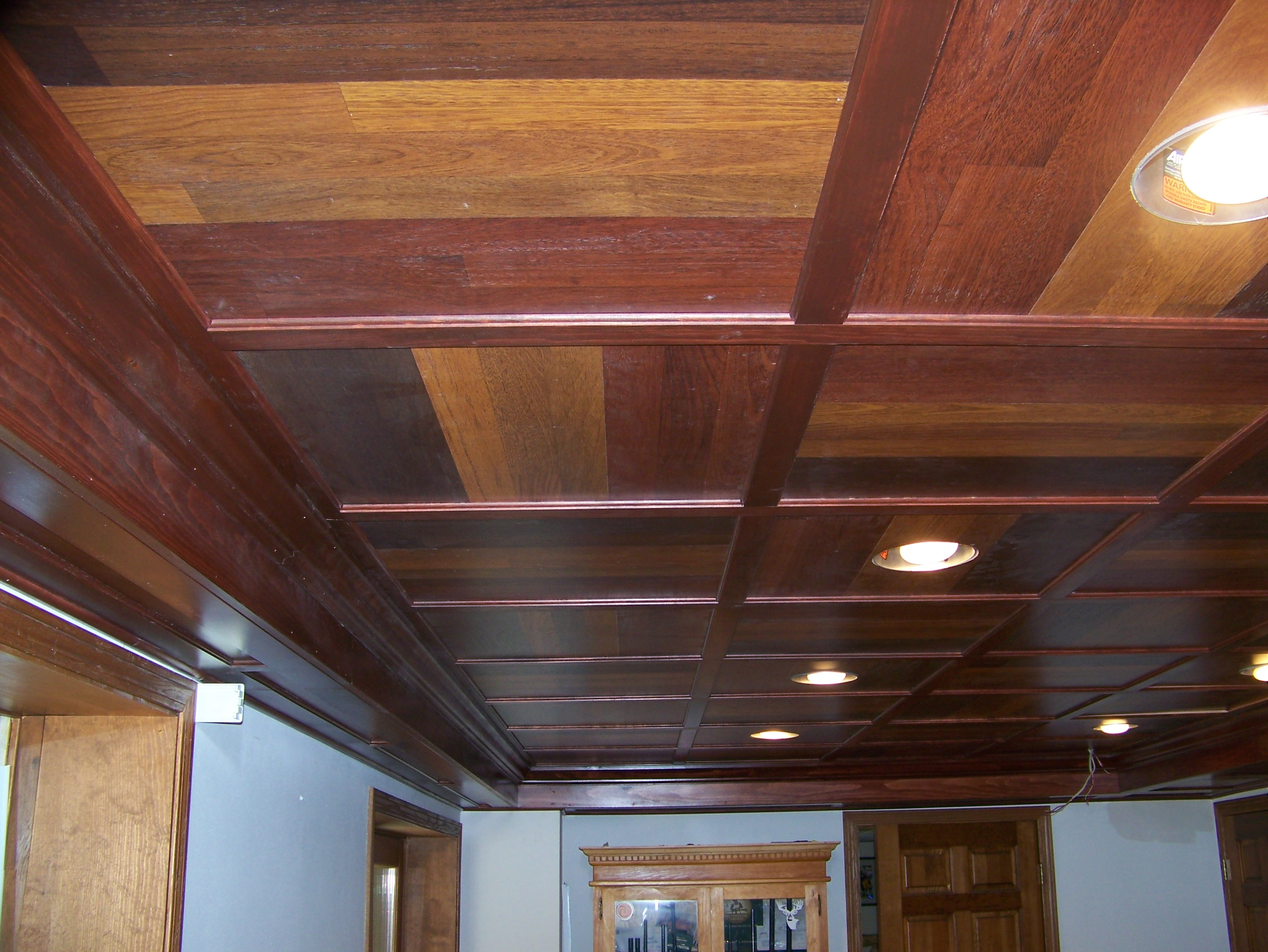 Featured Image of Wooden Basement Ceiling With Modern Lighting