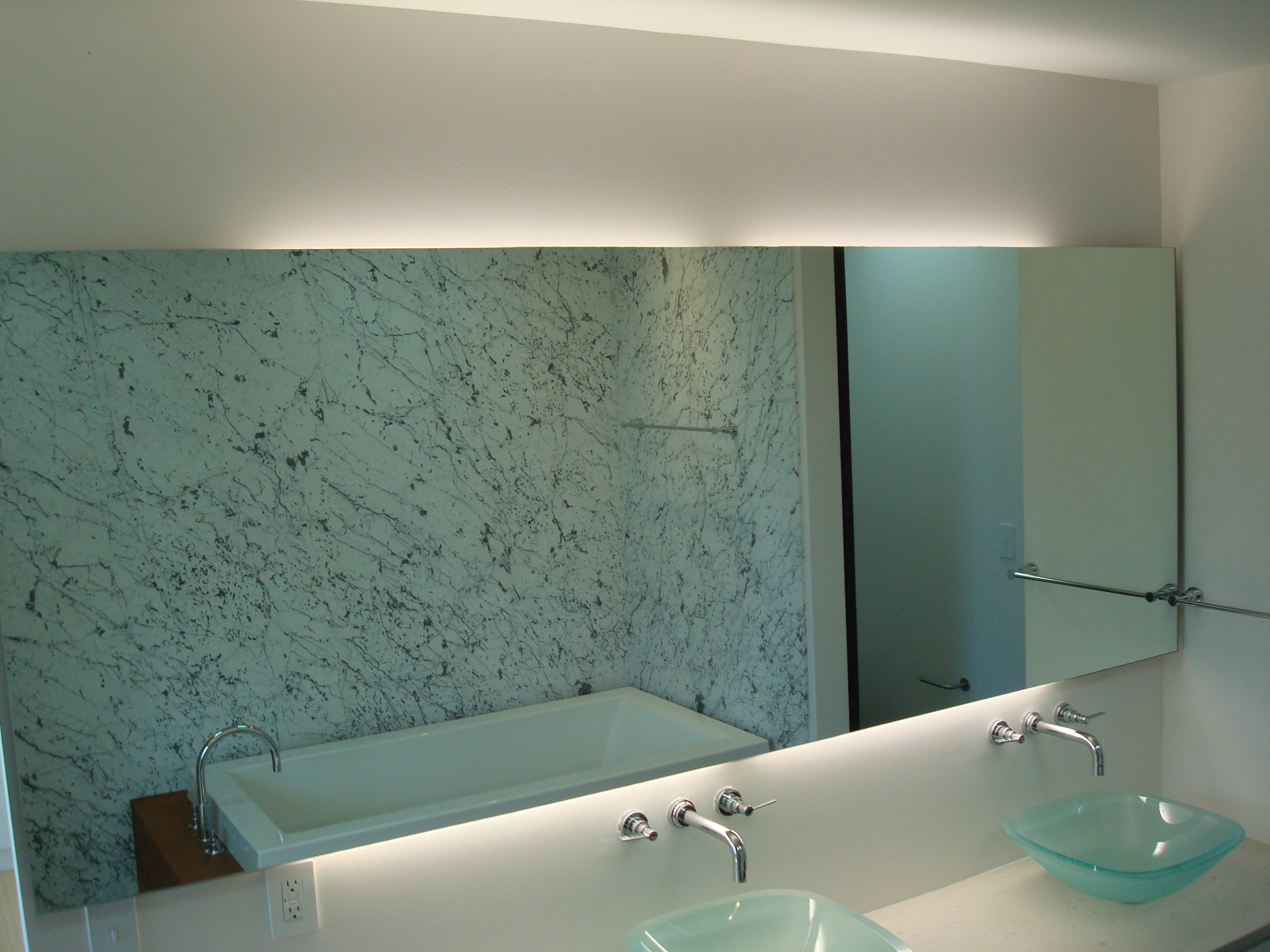 Featured Image of Beauty Contemporary Bathroom Mirror With LED Lighting