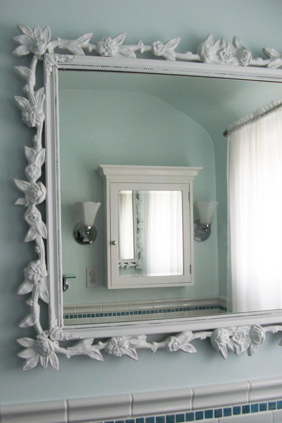 Featured Image of Decorative Frame For Bathroom Mirror Ideas