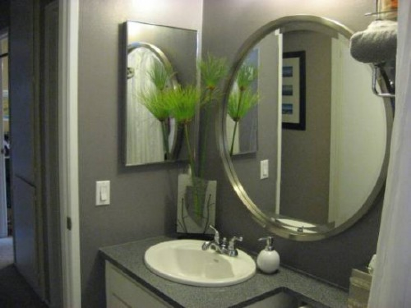 Featured Image of Round Bathroom Mirror For Small Bathroom Sink