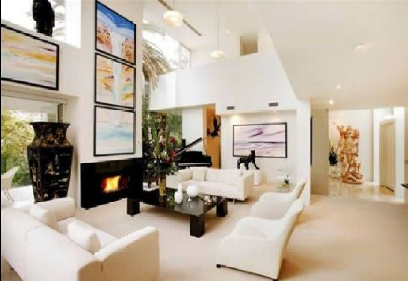 Featured Image of White Color Schemes For Contemporary Living Room