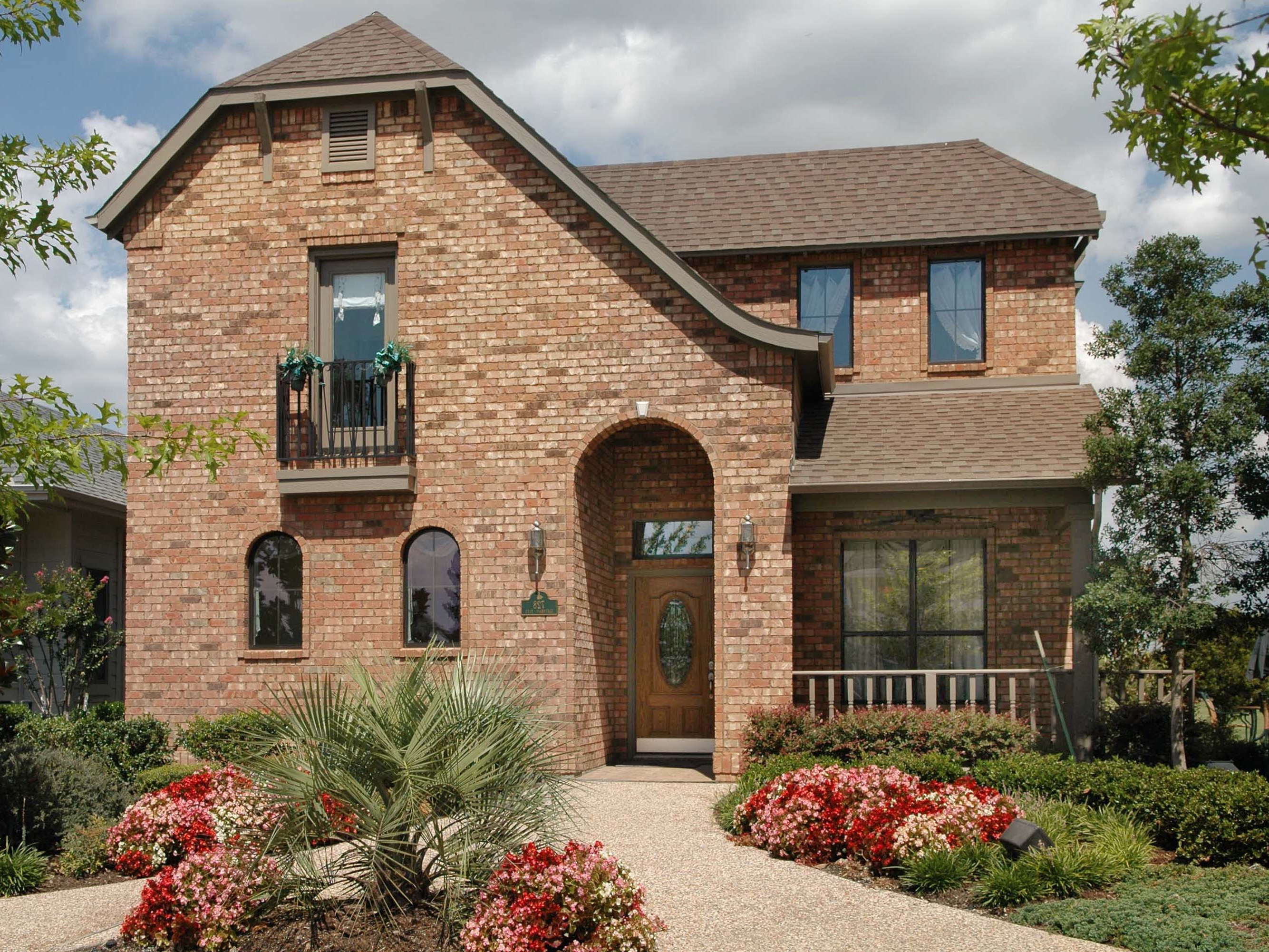 Beautiful Color Country Home Exterior With Brick Wall (Image 1 Of 23)