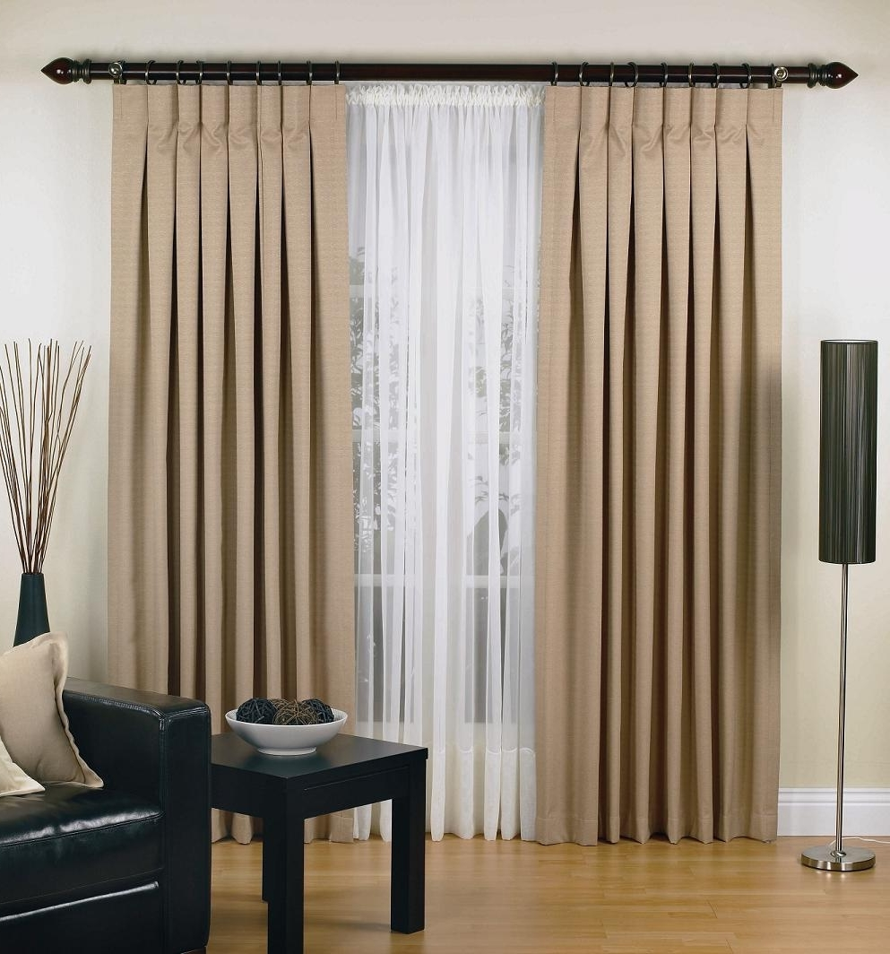 Featured Image of 2014 Modern Curtain Rods