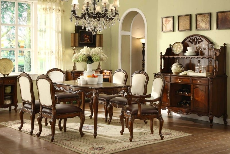 Featured Image of American Style Classic Dining Room Wooden Furniture