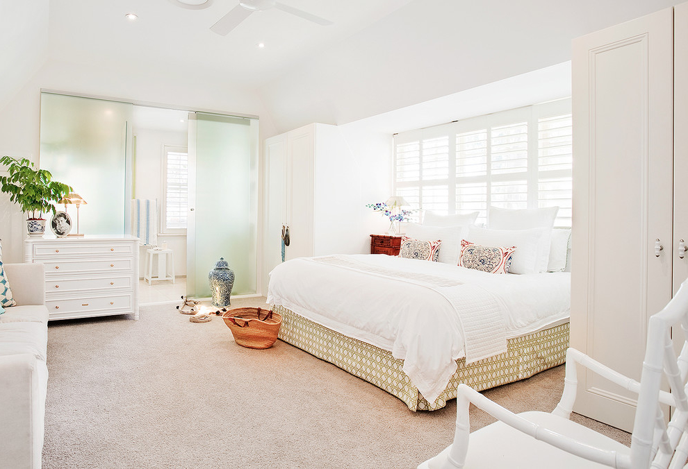 Featured Image of Beach Style White Bedroom In Cozy Design