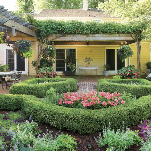 Featured Image of Beautiful Backyard Classical Garden Ideas