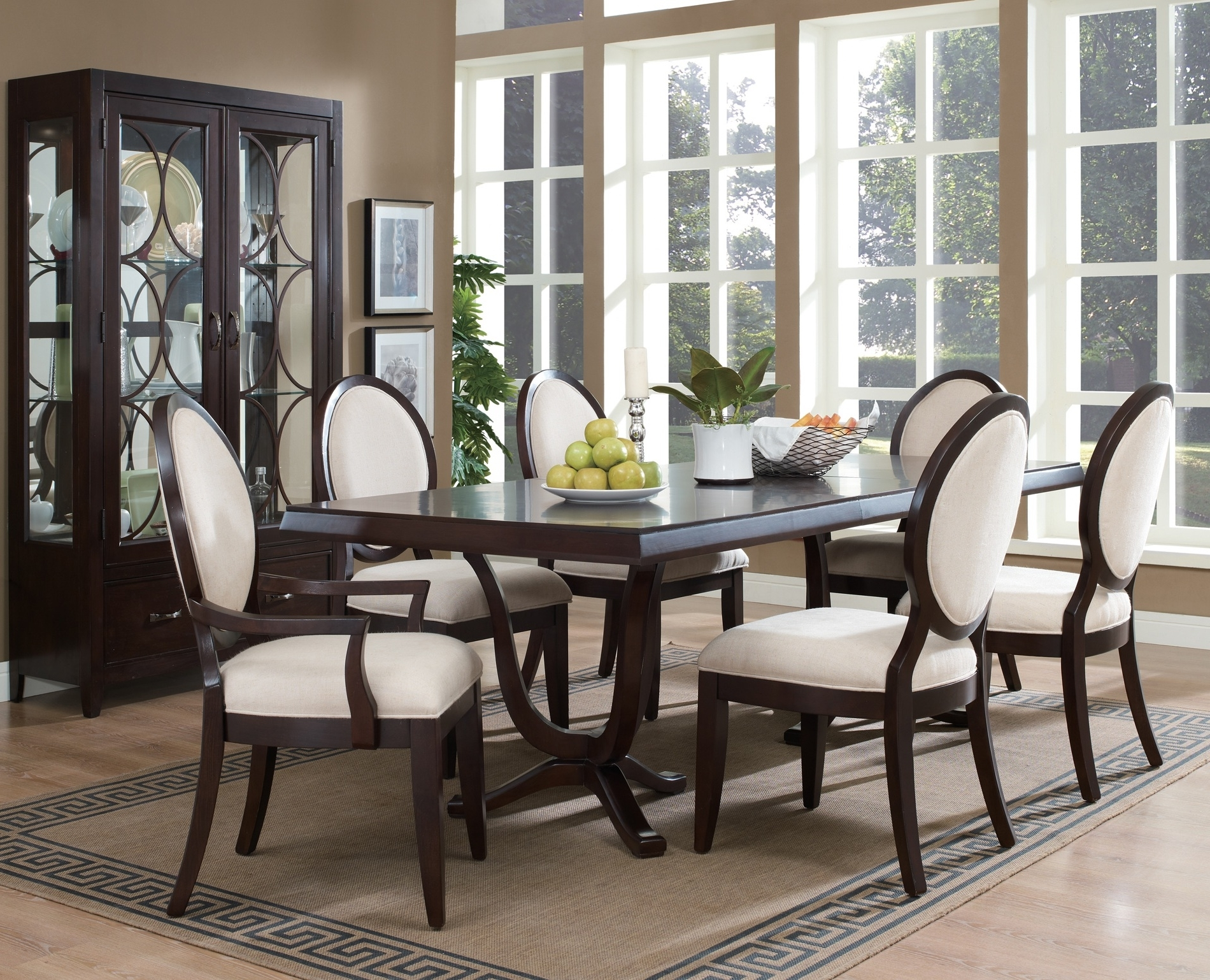 Featured Image of Beauty European Dining Room Furniture Set