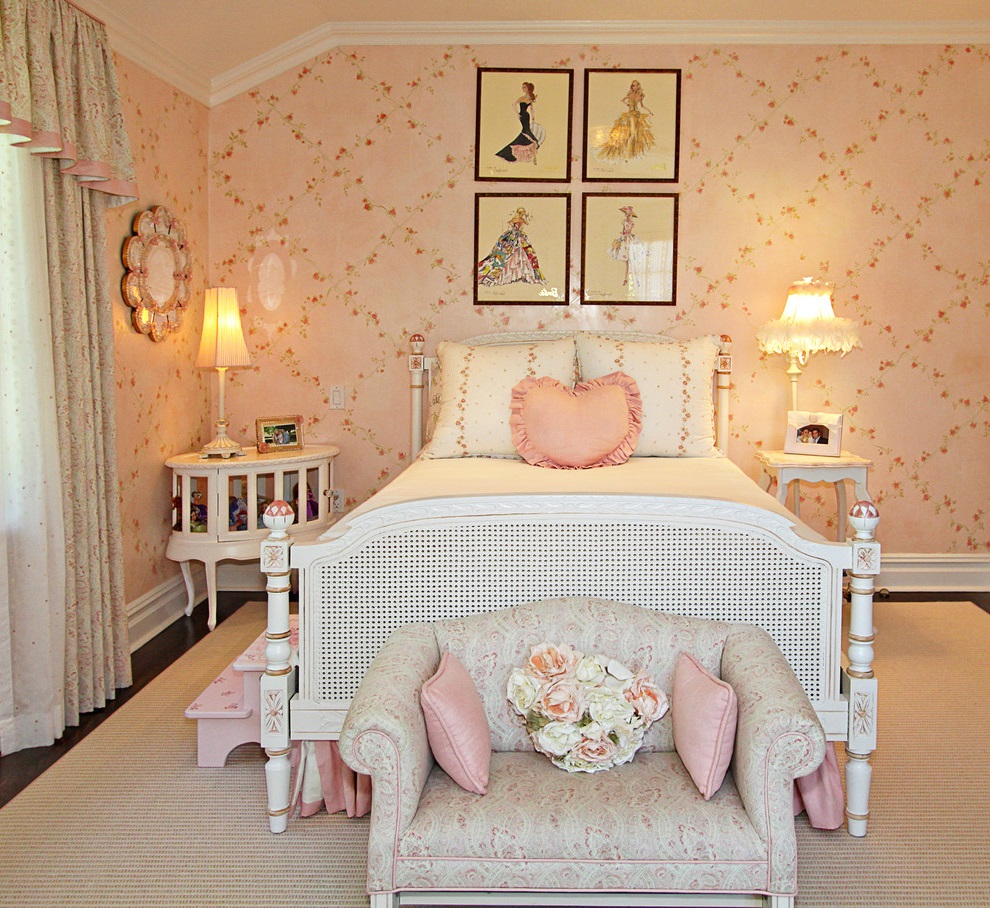 Featured Image of Beauty Girl Bedroom With Decorative Wall