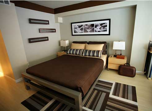 Featured Image of Brown Themed Small Comfortable Bedroom