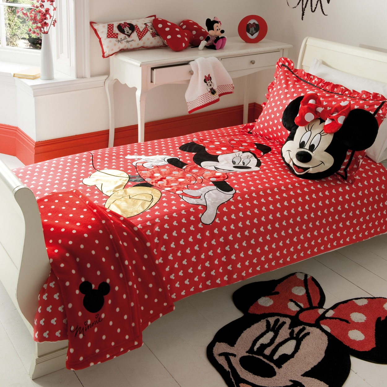Featured Image of Children Bedroom Mickey Mouse Interior Theme
