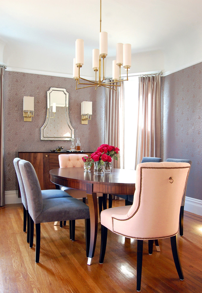 Featured Image of Classic Dining Room With Cozy Chairs