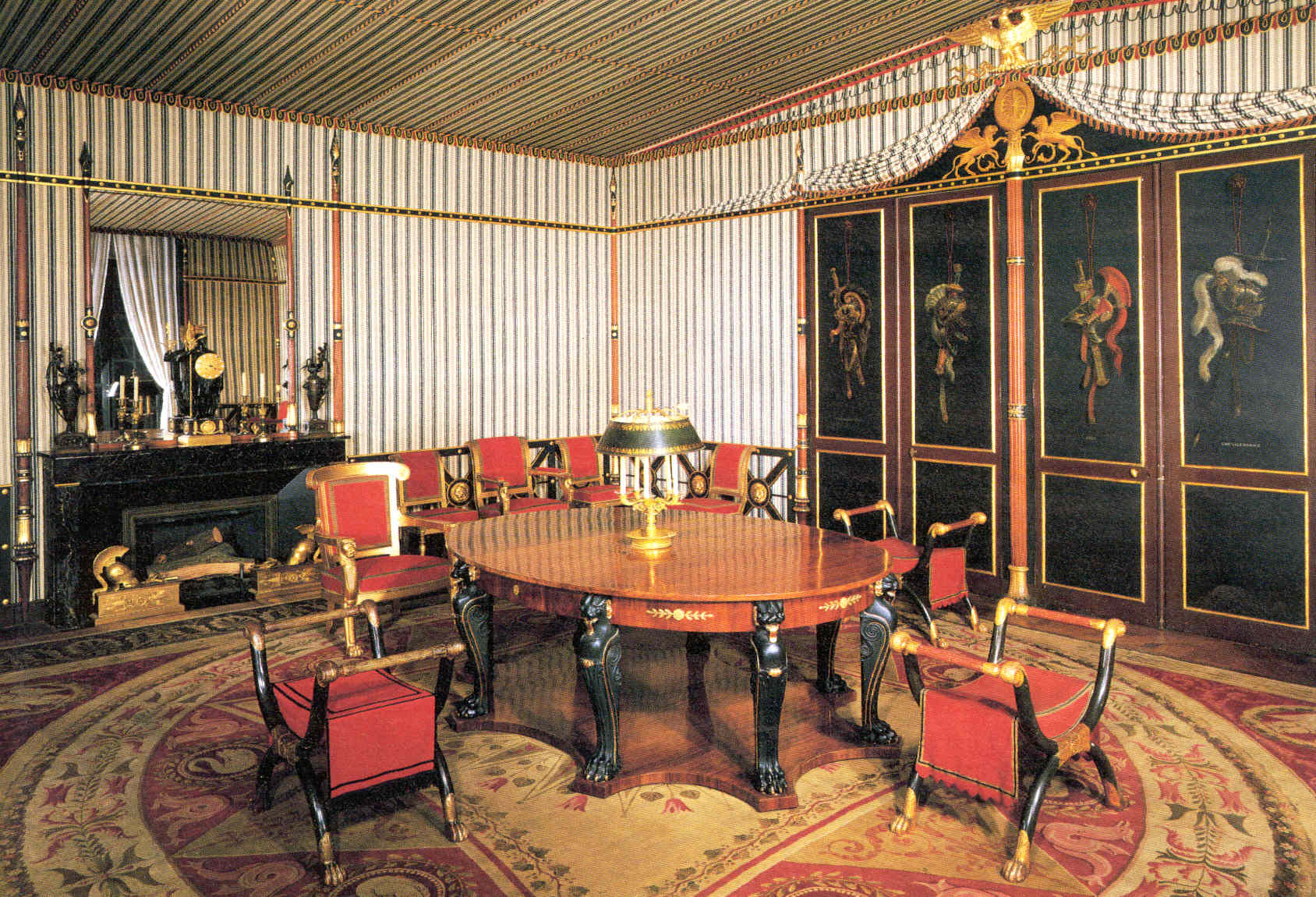 Featured Image of Classic Empire Style Furniture Ideas