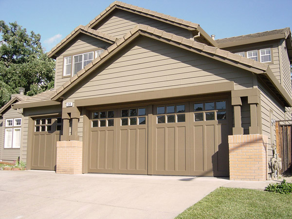Featured Image of Classic Garage Door Ideas