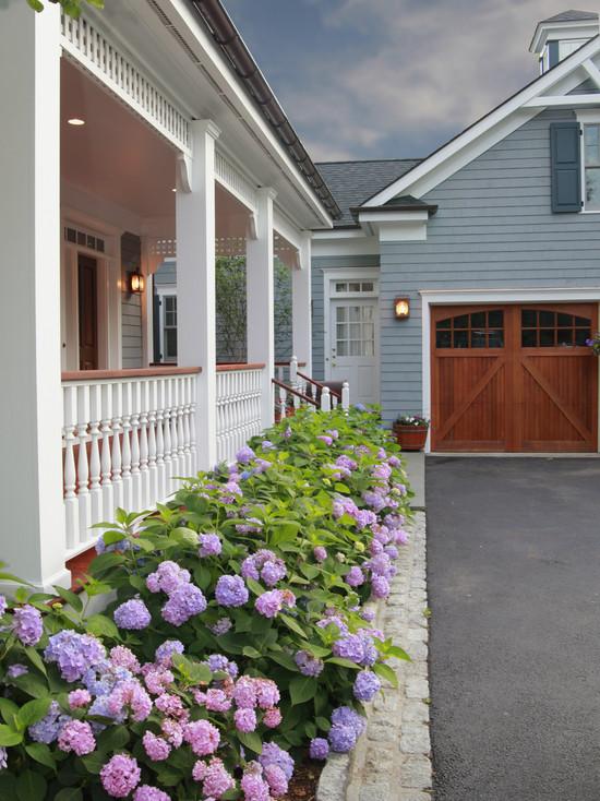 Featured Image of Classic Garage Exterior Design Ideas