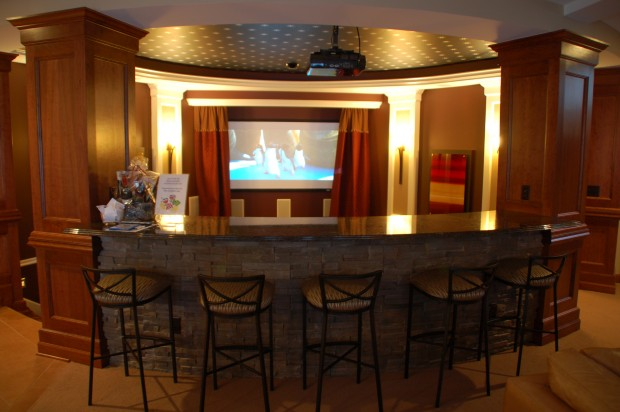 Featured Image of Classic Home Bar Design Ideas