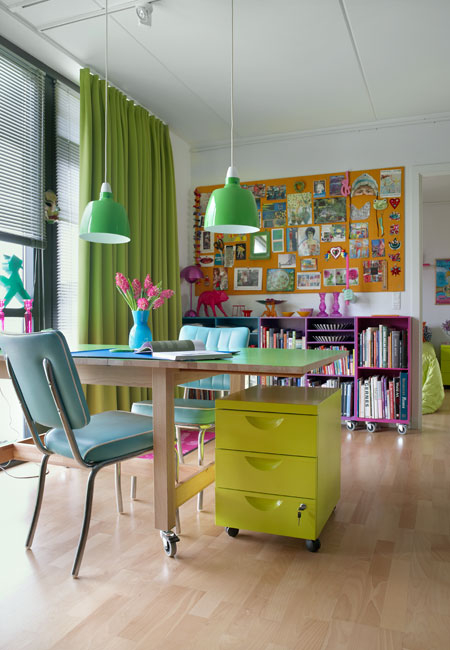 Featured Image of Colorful Home Office Interior Ideas