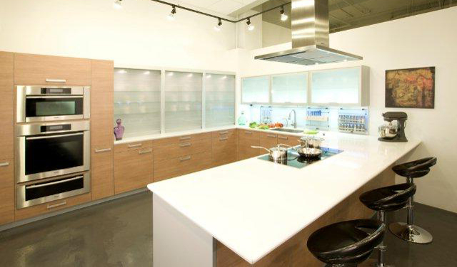 Featured Image of Contemporary European Kitchen Interior Layout