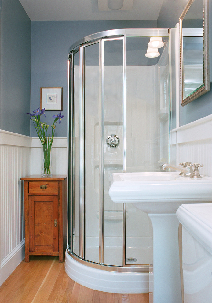 Featured Image of Contemporary Tiny Bathroom And Shower