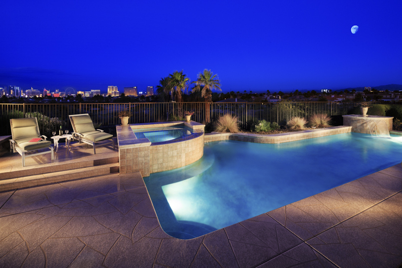 Featured Image of Deluxe Swimming Pool Design