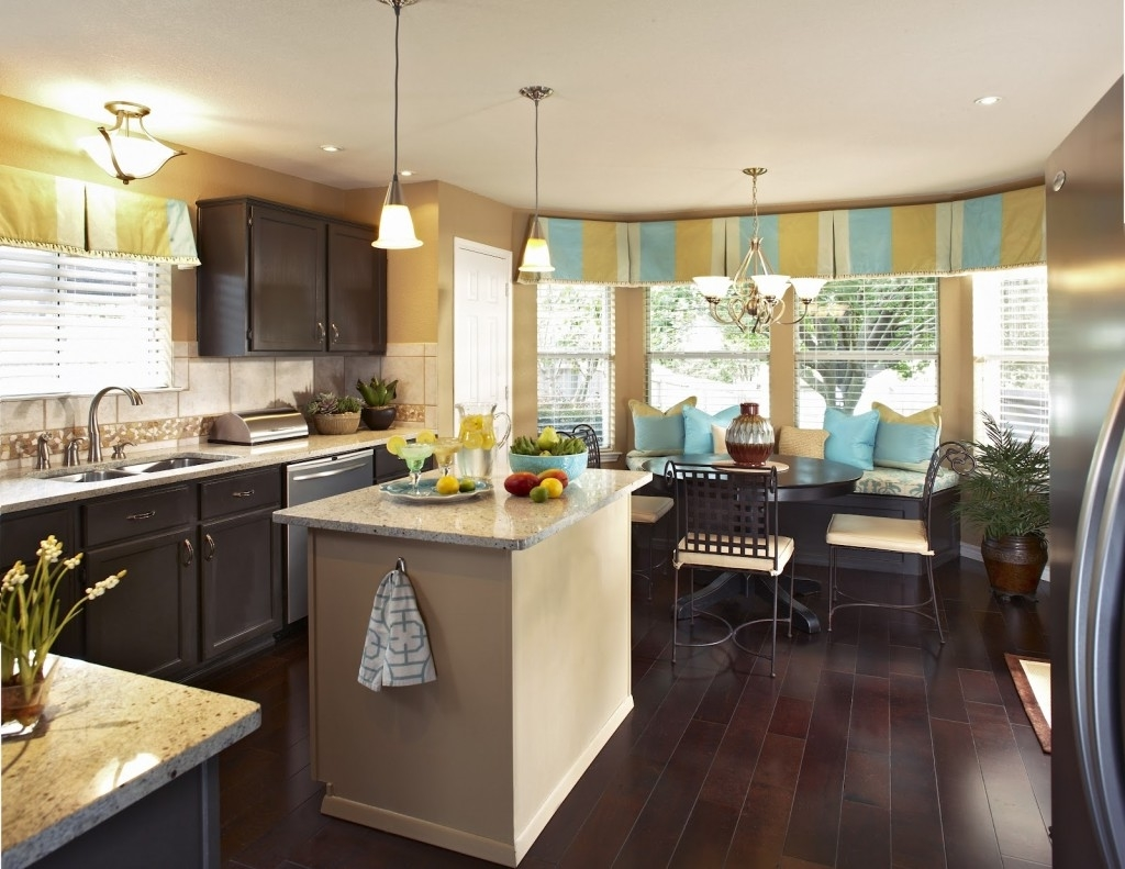 Featured Image of Dining Room And Kitchen Cozy Color And Theme