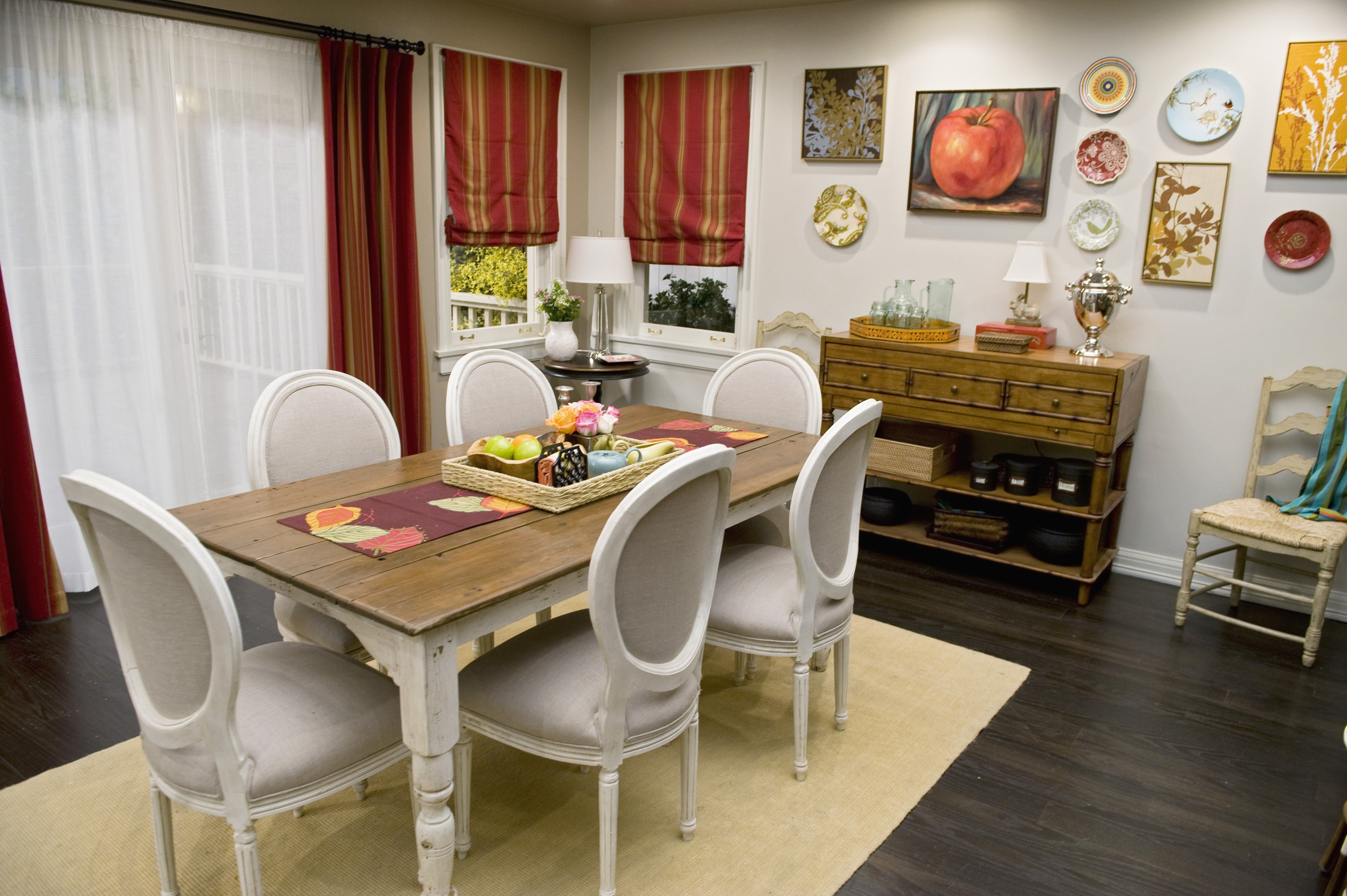 Featured Image of Dining Table Centerpiece For Rustic Dining Room