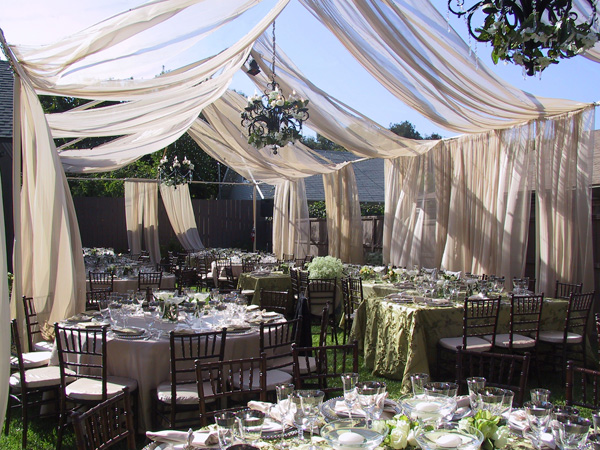 Featured Image of Elegant Cheap Wedding Reception Ideas