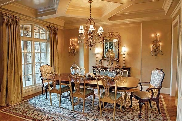 Featured Image of European Dining Room Classy And Comfortable