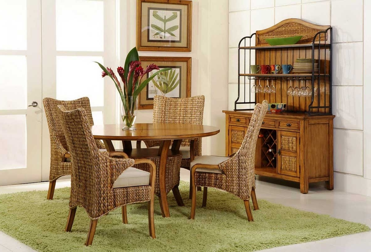 Featured Image of European Dining Room Style With Rattan Furniture