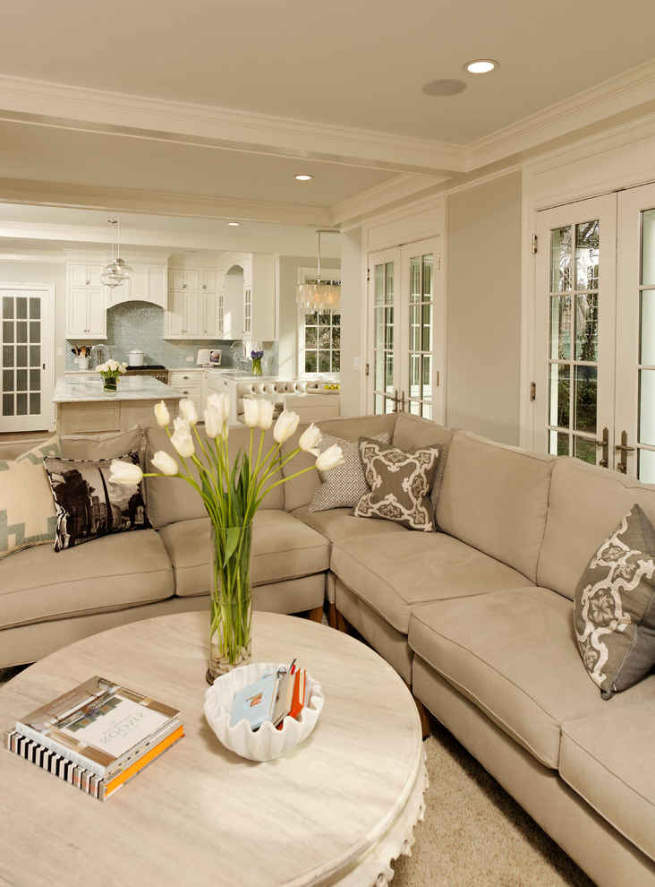 Featured Image of European Living Room With Elegant Sofa